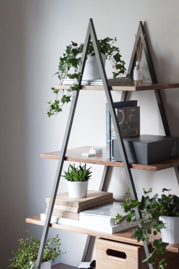 Regał w stylu minimalistycznym bakke showroom