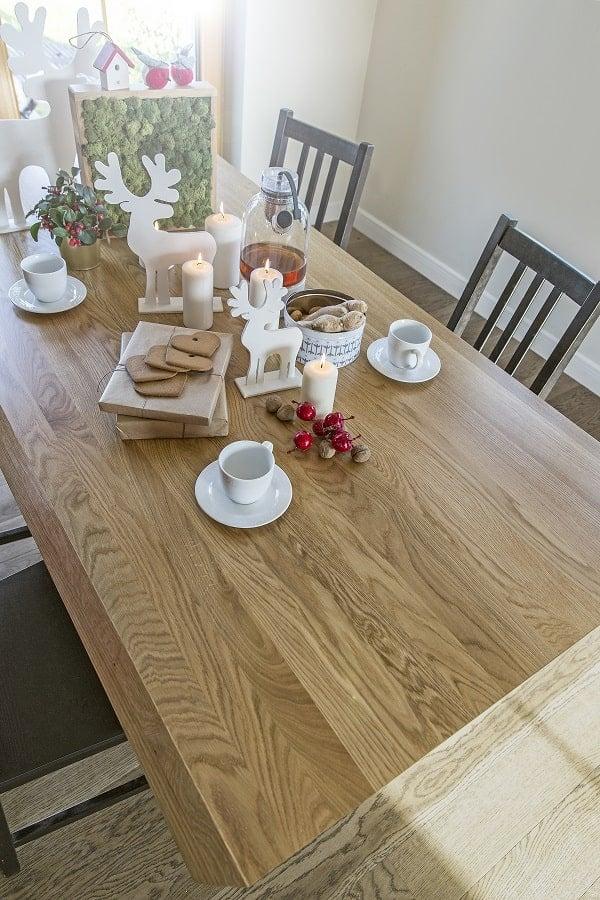 Świąteczny stół wigilijny