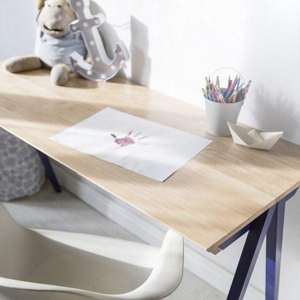 blat biurka vogel M koloru granatowego - aranżacja dziecięca