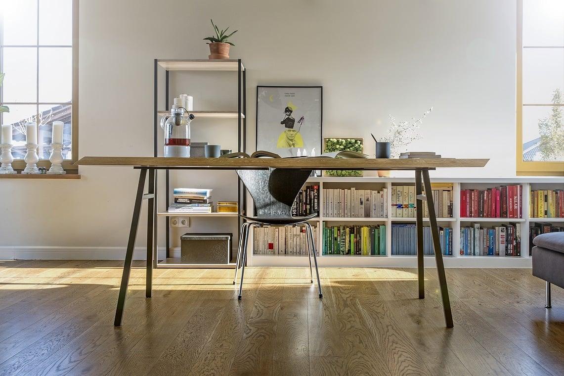 aranżacja stołu north z blatem z litego drewna - aranżacja domowa