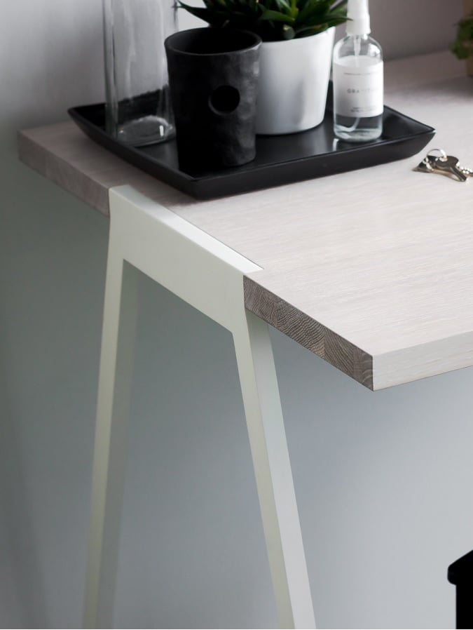biurko fjord - blat fornir dąb bielony - nogi białe