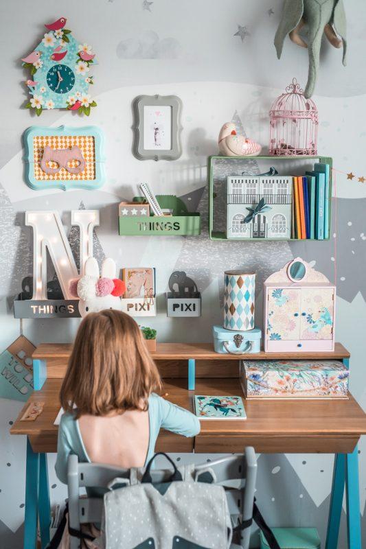 biurko drewniane vogel S błękitne z nadstawką