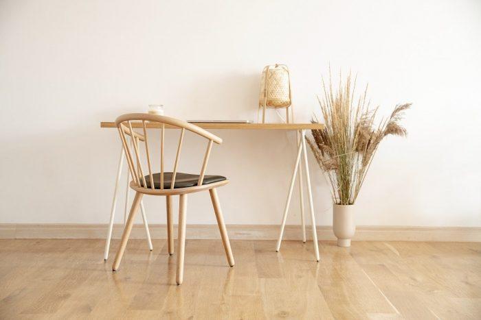 biurko w stylu skandynawskim skog z blatem lakierowanym w fornirze