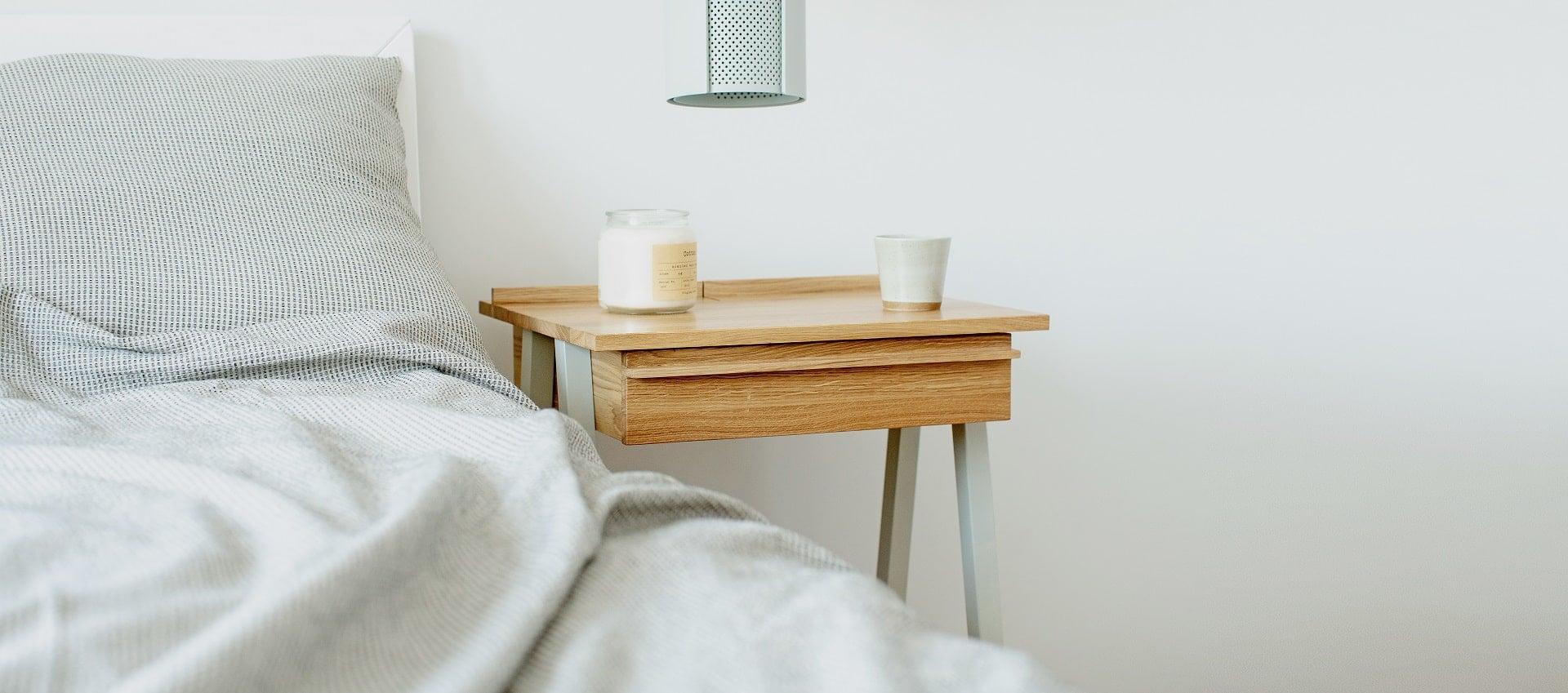Łóżko sypialnie i szafka drewniana troost w stylu skandynawskim