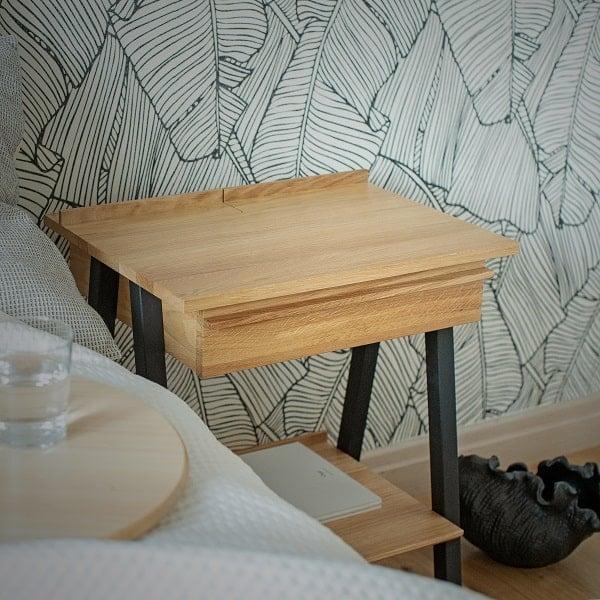 Szafka nocna w stylu skandynawskim troost z drewna dębowego z czarnym kolorem nóg z litego drewna bukowego