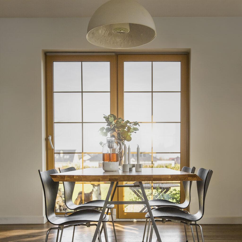 Drewniany stół north w stylu skandynawski